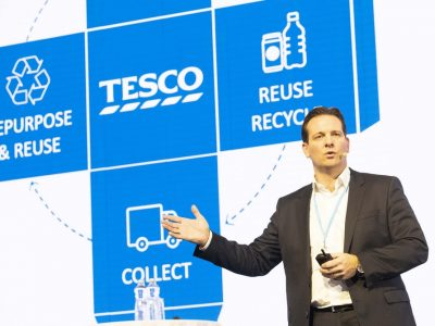Tesco dáva zbohom nerecyklovateľným plastovým obalom