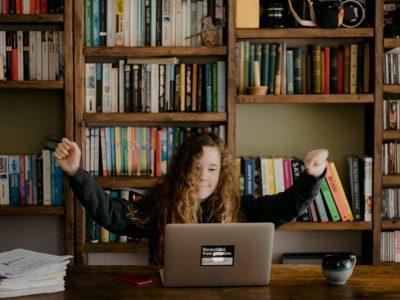 Ako na neformálne vzdelávanie za počítačom? Tipy a triky pre úspešné online fungovanie s deťmi