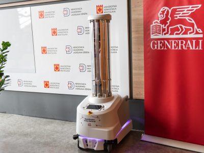 Poisťovňa Generali darovala piatim slovenským nemocniciam špičkové germicídne UVD roboty