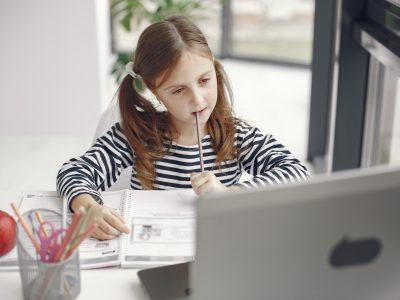 !VÝZVA UZATVORENÁ! Slovenské elektrárne darujú notebooky na dištančné vzdelávanie detí