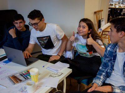 Dobrovoľníci z Accenture sa zapojili do rozvojového programu pre stredoškolákov organizácie I AMbitious